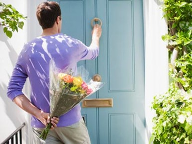 Source: http://www.marieclaire.com/cm/marieclaire/images/Xg/mcx-man-holding-flowers-door-0111-msc.jpg